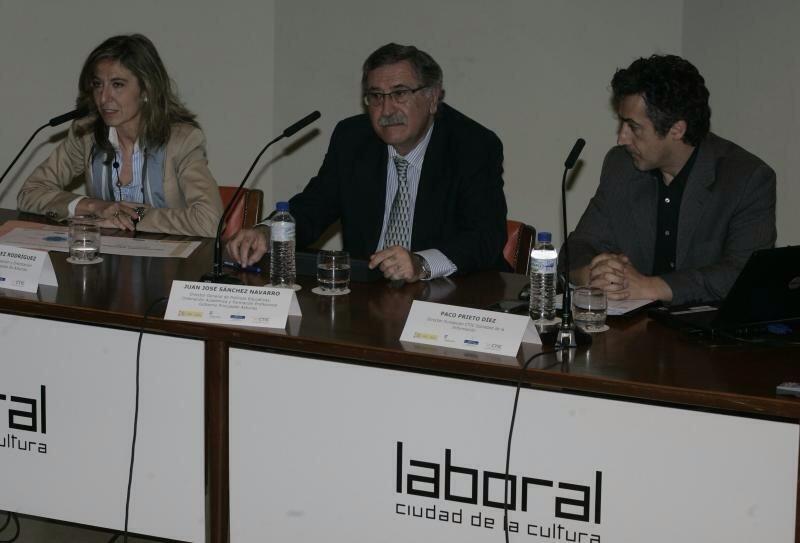 Presentacion Profundiza, Juan José Sánchez Navarro, Ángela Fernández y Paco Prieto