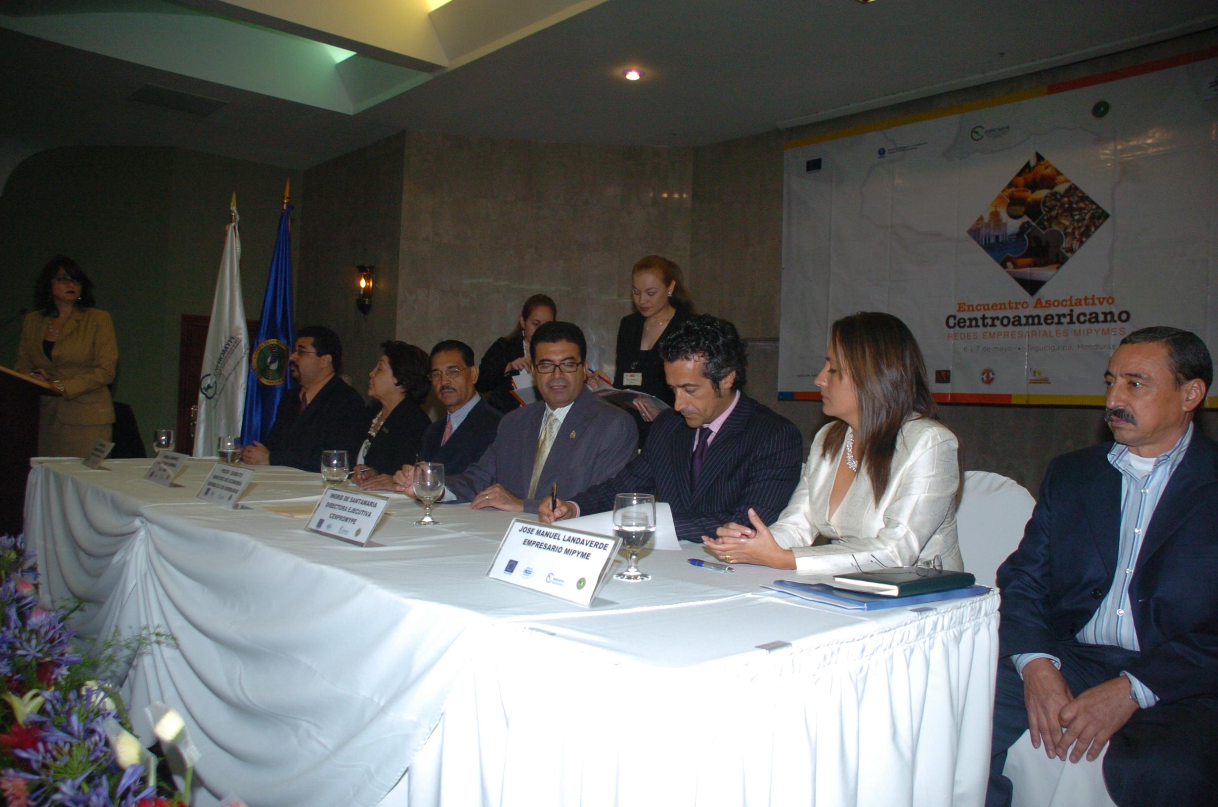 Firma del CATDE en Tegucigalpa