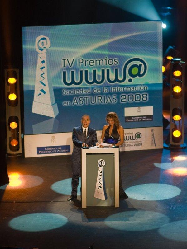 Goyo González e Ivonne Reyes, presentaron la IV Gala