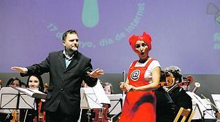 Nikä y director de Orquesta Ocas